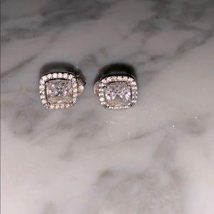 Jewelry - Crystal earring 💎
